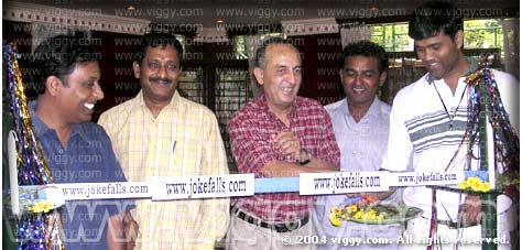 Ashok Kashyap, Shashidhar, Manomurthy, Madan, Ashok Patil during the website launch