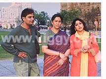 Naveen Mayur, Geeta and Lakshmi Gopalaswamy in film Poorvapara