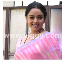 Soundarya Death Photos http://www.viggy.com/english/current_soundarya_accident.asp